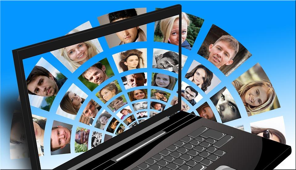 Comunicazione online: meglio urlare o sussurrare?